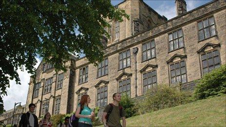雅思网 海外大学一览    下面为大家介绍一所英国的大学,即班戈大学